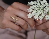 Anchor gold delicate ring - yellow bronze