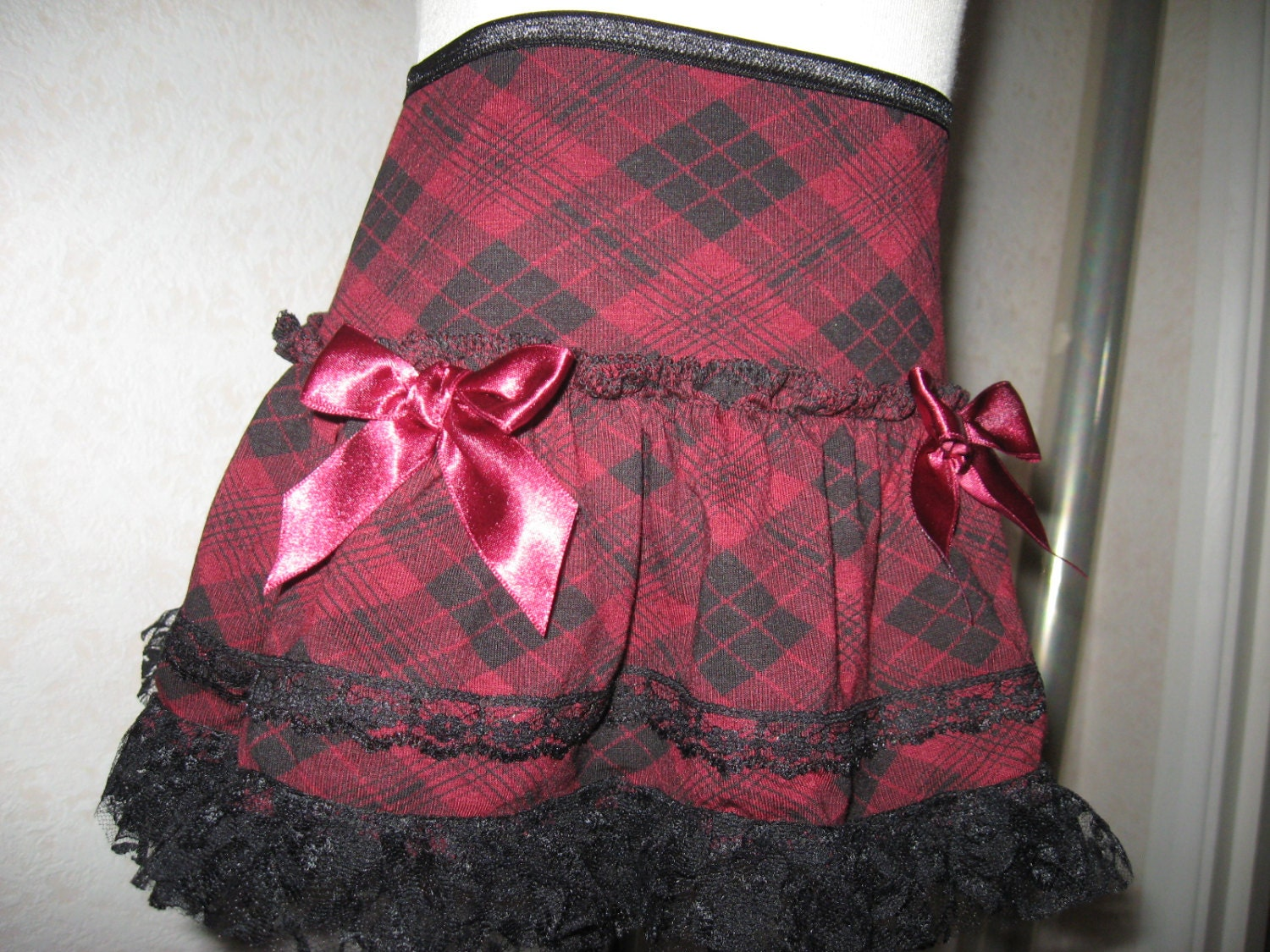 sequoia-BlackBurgundy RedCheck Lace Frilly SkirtPunk-All