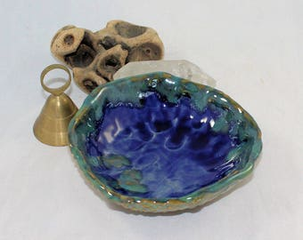Scrying bowl -blue interior, green exterior, lace pattern