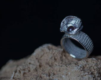 Silver ring with pearl in casted cup, EU size 17.5