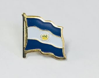El Salvador Flag Pin