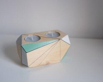 Geometric candleholder