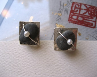 handmade river rock jewelry earrings with freshwater pearl by cra1nes on etsy