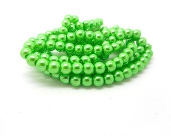 20 medium green color glass beads 8mm