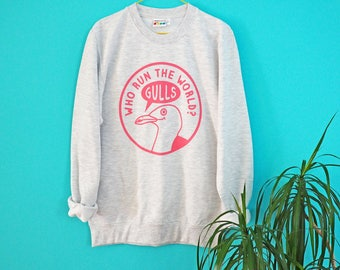 Who Run the World Jumper, Grey Pink Jumper, Beyonce Sweater, Funny Animal Seagull Top, Screenprinted Sweater, Unisex Jumper, Feminist Jumper