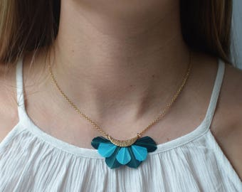 Layered Feather Fan Pendant Necklace