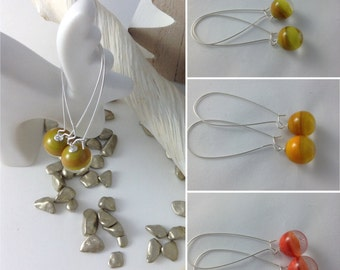Dangle earrings long color versus olive transparent