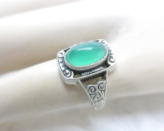 Vintage Silver Ring - Green Chrysoprase Marked Silver Ring - Arts & Crafts Design