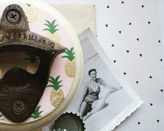 Ouvre bouteille ananas, Wall Mount bière décapsuleur, ananas Design, tendance pendaison de crémaillère ou idée de cadeau d'hôtesse, Boho Home Decor