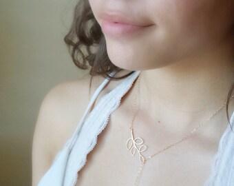 Sautoir feuille d'or avec la pierre d'Onyx noir - collier feuille, collier, collier Minimal, collier Simple
