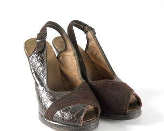 1940's Faux Alligator and Suede Brown Shoes • Vintage Open Toed Peep Toe Pumps