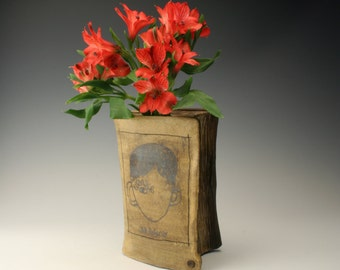 unique vase, ceramic book vase, vase for book lovers, gift for book lover, book theme pottery,  gift for readers, Wonder, R. J Palacio