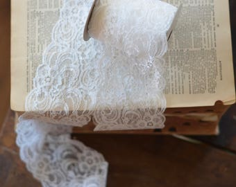 10 yard roll of chantilly lace