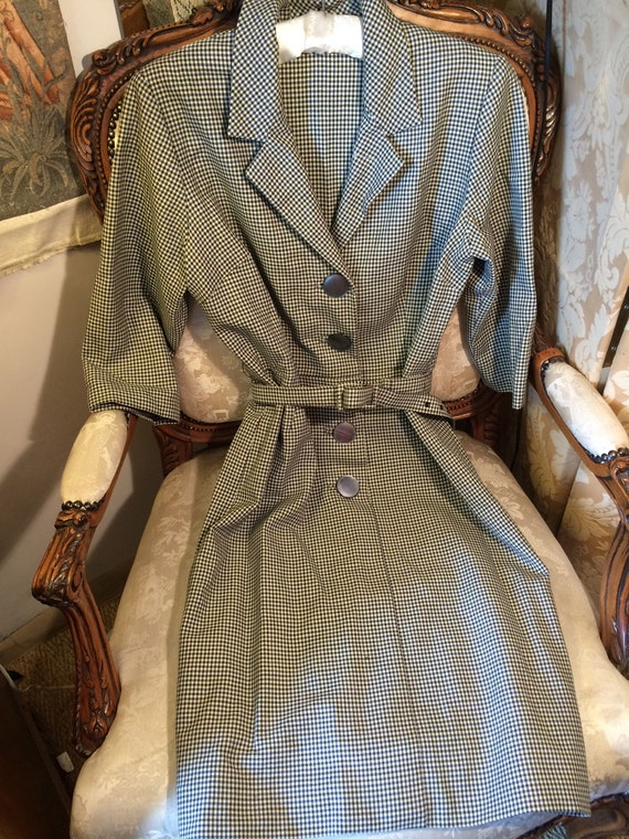 Just lovely 50's wool sheath dress and belt.. 36x30x38 length. Derp hem. Vintage