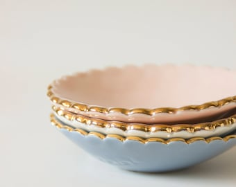 Jewelry dish with gold scalloped edge - Goye X Noémiah