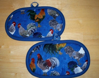 Pair of Fingertip Pot Holders, Roosters on Blue, Oven Mitts, Insul-Brite Lined for Heat Resistance, Country Decor, Kitchen. Handmade