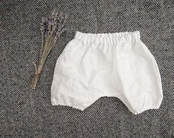 White linen bloomers/ Baby bloomers/ Diaper cover/ Linen diaper cover/ Baby shorts/ baby pantaloons/ Summer nappy cover