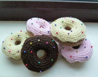 Doughnut pin cushion
