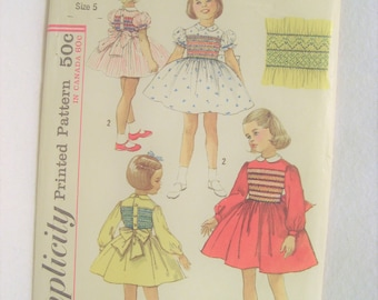Simplicity S 25 Girls Smocked Dress Vintage 1960s Size 5, Smocking Transfer Included, Uncut