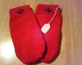 Ladies red mittens