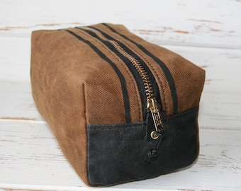 Waxed Canvas Toiletry Bags, Groomsmen Gift, Personalized Toiletry Bag, Waxed Canvas Dopp Kit, Mens Shave Bag, Mens Shave Kit