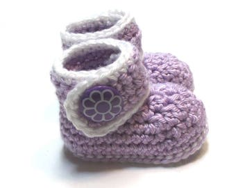 Baby booties.  Lilac and white ready to ship crochet baby booties.  Trendy baby booties with flower buttons.  Baby shower gift idea.
