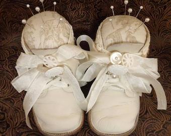 PDF Baby Shoe Pincushion Tutorial no shipping cost