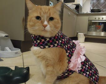 Pet clothing for cats and small dogs: Black and pink cotton dress