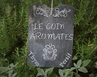 """Slate French """"Le corner spices"""" to hang them up in the garden"""