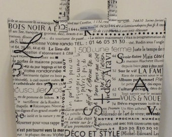 Limited Edition Market Line Bag in print Paris Text