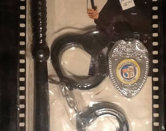 The Blue Knight TV Enforcer Policeman Badge Handcuffs Baton MINT George Kennedy