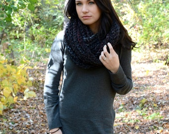 The Elgon Infinity Scarf ∙ Chunky ∙ Black/Red/Grey