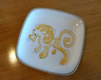 Lion Tray by Ernest Sohn / Glidden Pottery — c1940s