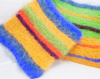 True Colors Wool Felted Hot Pads/Trivets, Hand Knitted, Potholders, Insulator, Hostess Gifts, Housewares, Cookware, Soft and Thick