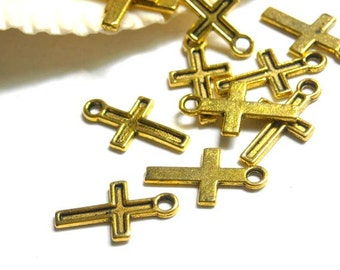 20 Antique Gold Cross Charms - 21-26-3