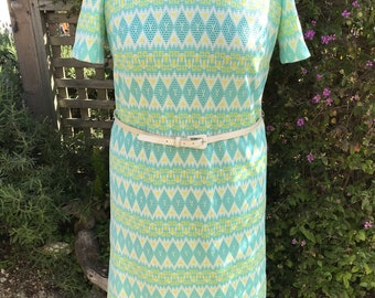 Vintage 1970s Plus-Size Geometric Pattern Midi-Dress with Belt