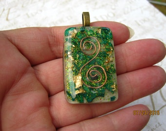 Green Glitter Orgone Pendant with Shungite, Malachite and Gold  (366)