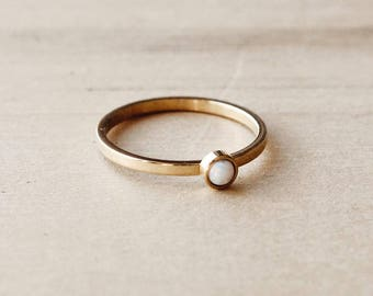 C1012 Gold Band With White Opal Stone Ring