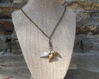 Tennessee River Horn Shell necklace and earrings