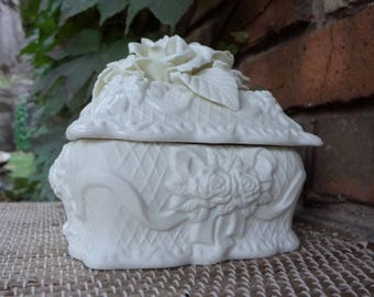 Creamy White Rose Ribbon Bisque Porcelain Lidded Container // 5 Inch // Keepsake // Wedding // Large Trinket Box // Jewelry Box