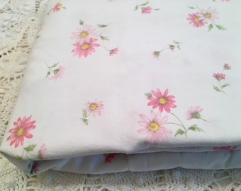 Vintage Cannon Cotton Muslin Pink Daisies - Full Fitted Sheet - All Cotton Vintage Sheet - White with Pink Daisies