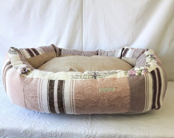 The French, Dog's bed medium
