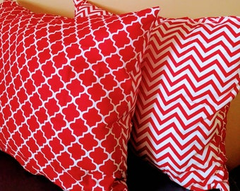Red and white Decorative pillow set