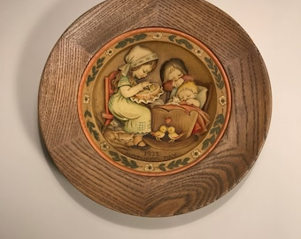ANRI Mothers Day 1972 By Ferrandiz Wood Carved Collectable PLATE