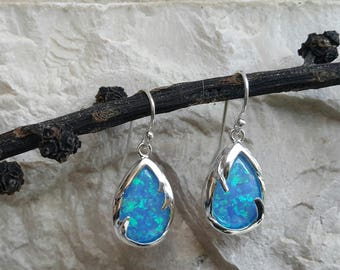 Opal earing