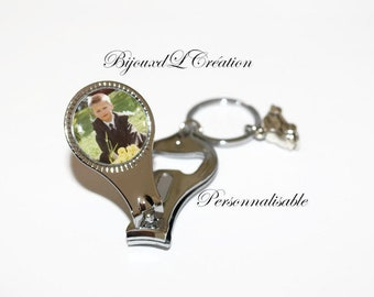 "Keychain ""Customizable photo"" cut nail bottle opener"