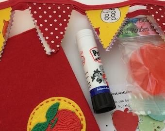 Apple for the teacher gift box