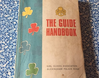 Vintage 1960s/1970s Girl Guide Brownie Handbook