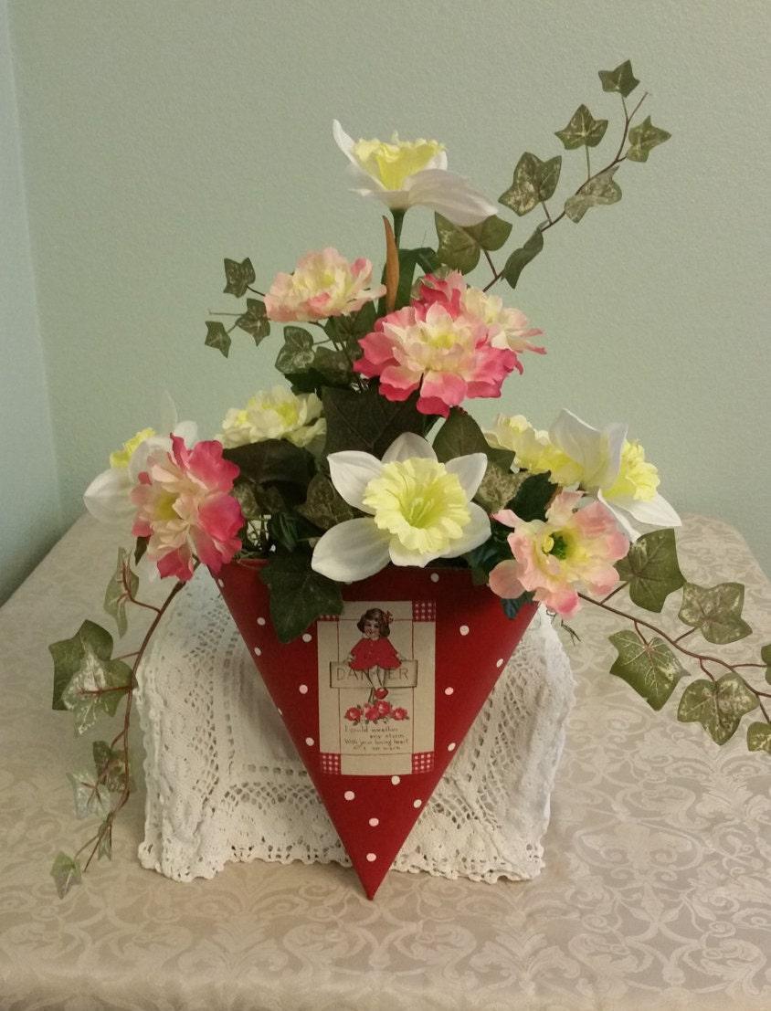 Vintage Style Silk Wall Floral Arrangement Spring Silk Flower
