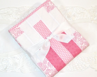 Me Covers Travel Quilt - SWIRLS, Quilt for Baby Girl, Pink, Grey & White, Blanket for Stroller, Play Mat, Baby Shower Gift, Cotton, Handmade